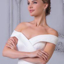Свадебные платья из атласа и кружева